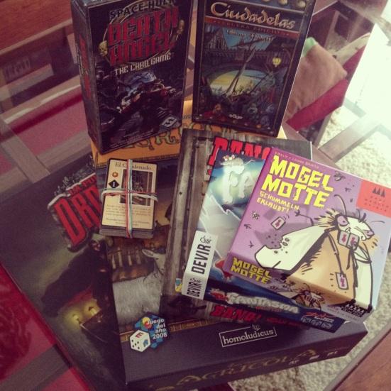 Los juegos que cayeron este verano; la mayoría comprados, uno PnP y también un regalo. Falta el crocket de jardín que tuvo que quedarse en Santiago